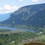 Looking east up the Columbia River Gorge, from Crown Point in Oregon, USA By Hux (Own work) [Public domain], via Wikimedia Commons