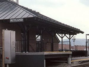 Ethan Allen Express at Rutland station, May 2001 by Hikki Nagasaki, via Wikimedia Commons