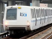 BART train westbound in West Oakland by Pi.1415926535 from Wikimedia Commons